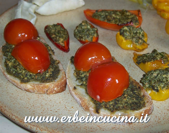 Bruschetta and roasted chilies with calamint sauce