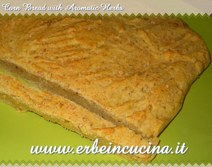 Corn bread with aromatic herbs
